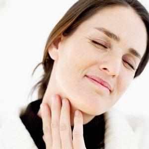 Почему болит горло с одной стороны