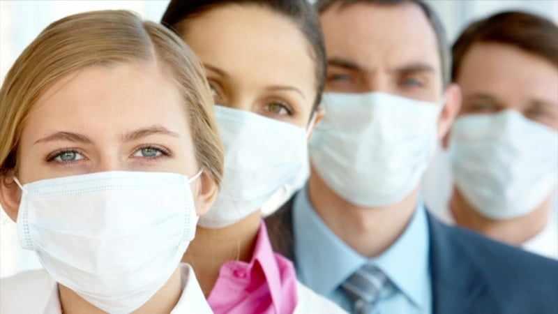 Не можете купить медицинскую маску? Сшейте ее сами из подручных материалов!