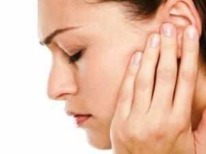 Почему из уха идет кровь