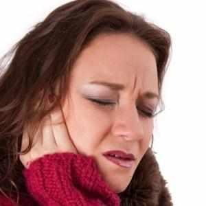 Что делать, если при ангине заложило уши