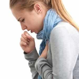Что делать, если щекочет горло и хочется кашлять