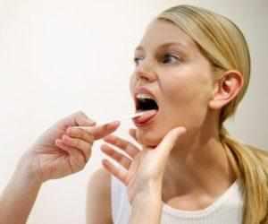 Что может щелкать в горле при глотании