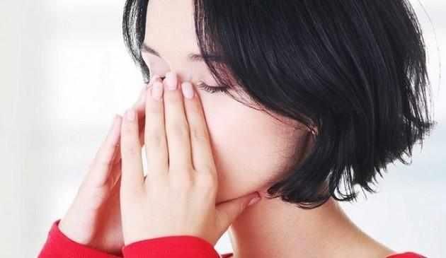 почему постоянно закладывает нос без насморка причины