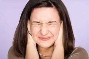 Причины и лечение пульсирующего шума в ухе.