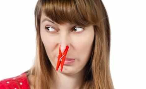 закладывает нос при беременности