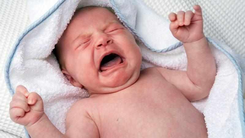 грудничок кашляет и чихает но температуры нет