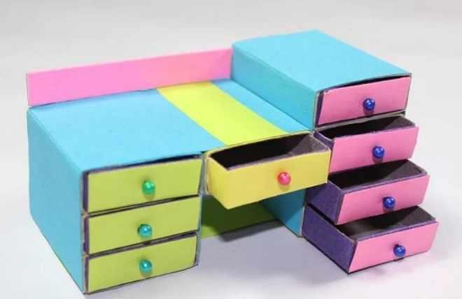 Комод из коробков