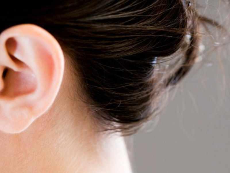 Почему появилась корочка в ухе