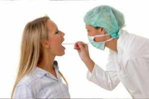 Какими препаратами лечат больное горло