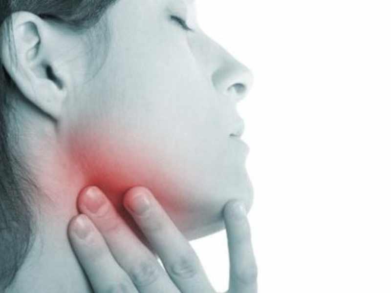 Чем опасна лпухоль горла