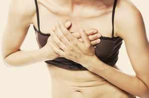 О чем может говорить боль в груди
